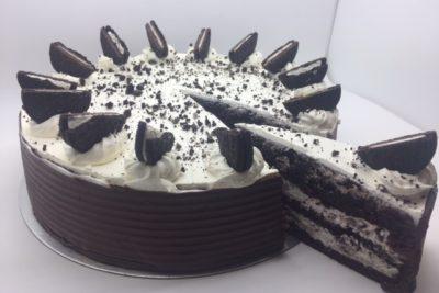 Mardi's oreo layer cheesecake